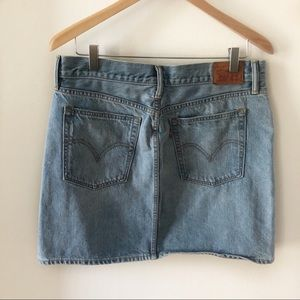 Levi's Jean Mini Skirt Light Wash Denim Size 30